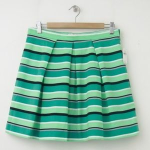 Gap pleated green skirt